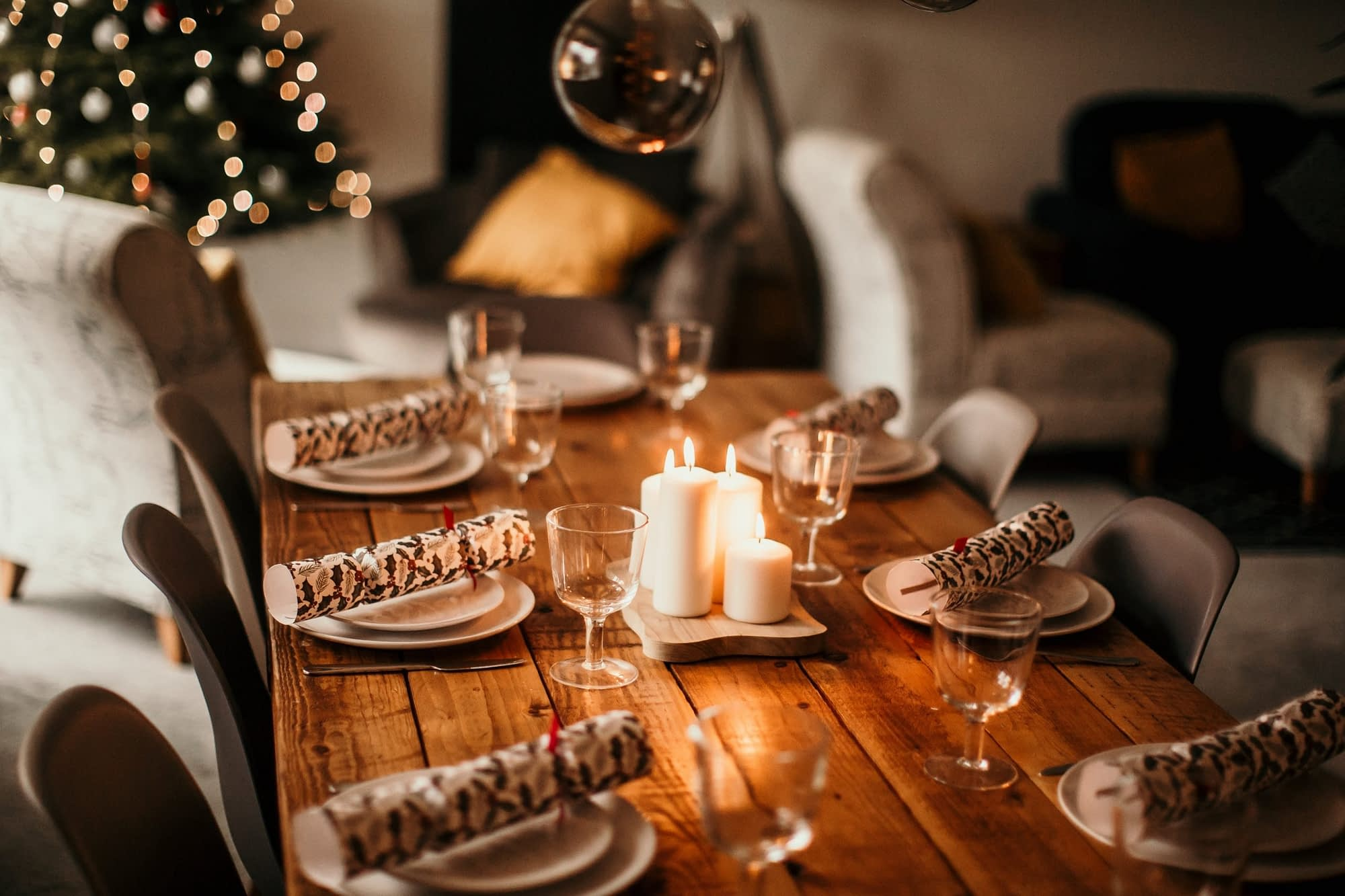 Christmas at Anchor Cottage - Holiday Cottages Noss Mayo - table