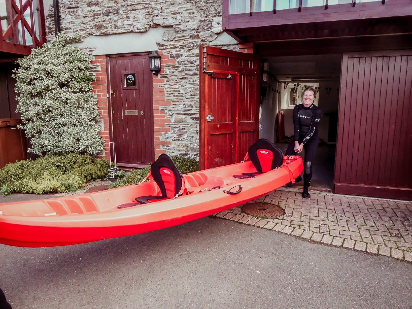 Secure Storage for Kayaks - Anchor cottage - Holiday Cottages Noss Mayo