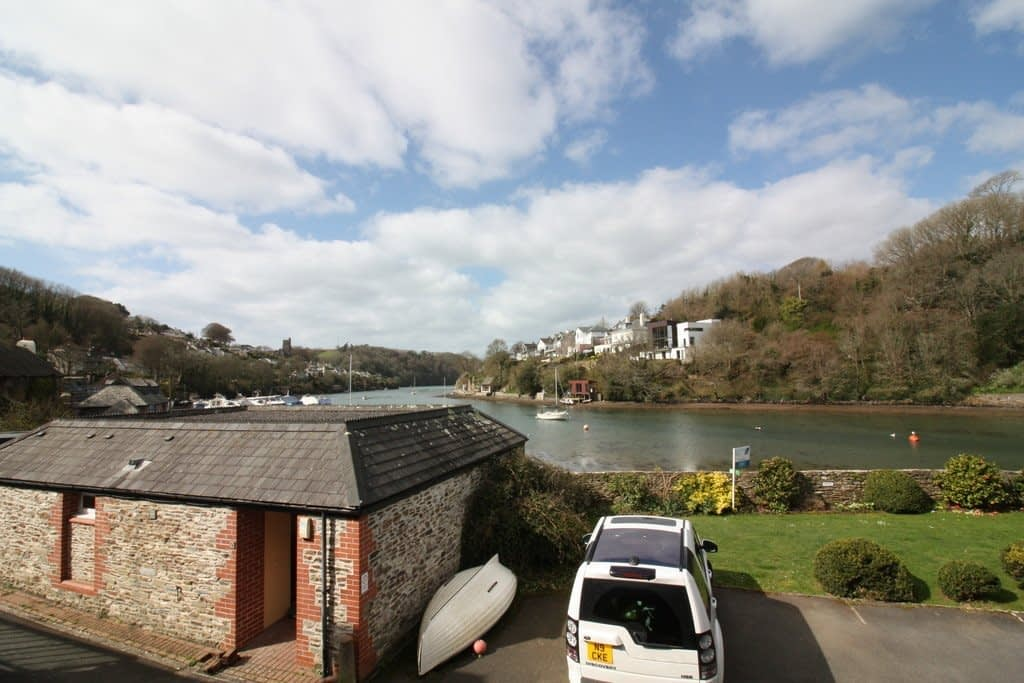 Free Parking - Anchor Cottage - Holiday Cottages Noss Mayo
