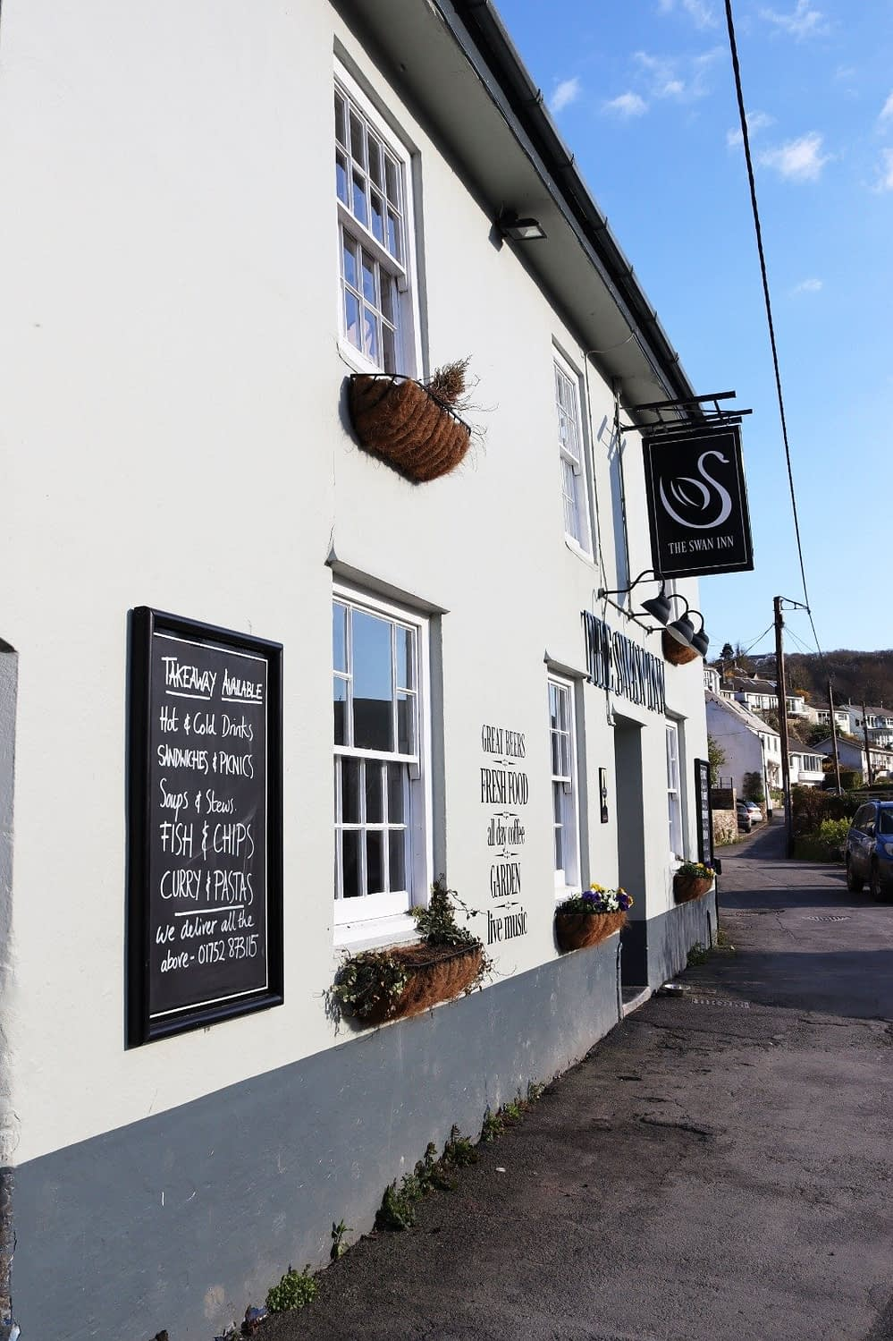 Food and Drink at The Swan Inn Noss Mayo - Holiday Cottages Noss Mayo